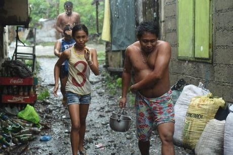Sieu bao Haima quet qua Philippines, 7 nguoi chet - Anh 2