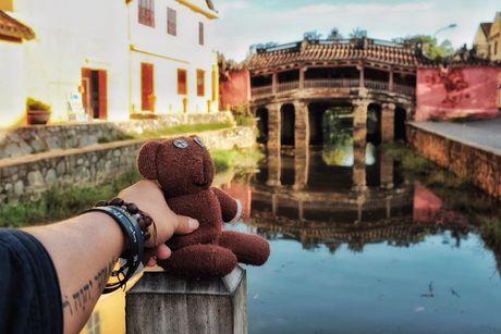 Chang trai dua gau Teddy di xuyen Viet - Anh 9