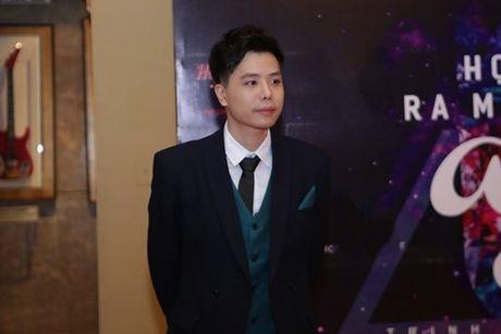 Huong Tram dien ao ren mong tang den mung dan anh ra album moi - Anh 3