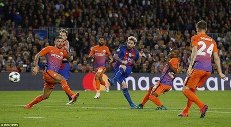 Barcelona 4-0 Man City: Messi lap hat-trick, Bravo mac sai lam te hai, Pep bat luc - Anh 4