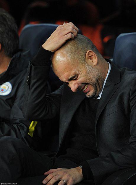 Barcelona 4-0 Man City: Messi lap hat-trick, Bravo mac sai lam te hai, Pep bat luc - Anh 6