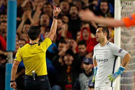 Chum anh: Messi 'gieo sau' cho thay cu Pep Guardiola - Anh 11