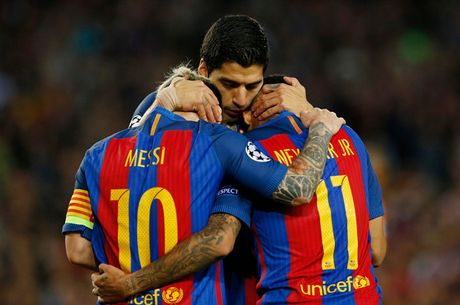 Chum anh: Messi 'gieo sau' cho thay cu Pep Guardiola - Anh 18