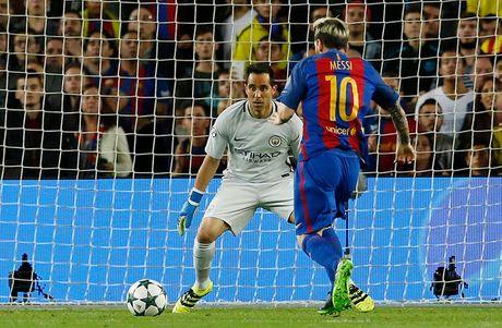Chum anh: Messi 'gieo sau' cho thay cu Pep Guardiola - Anh 4