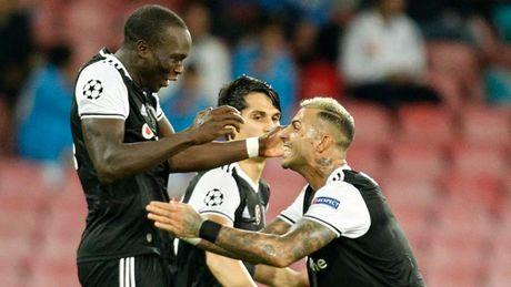 DHTB luot tran 3 vong bang Champions League: Vinh danh Messi va Oezil - Anh 12
