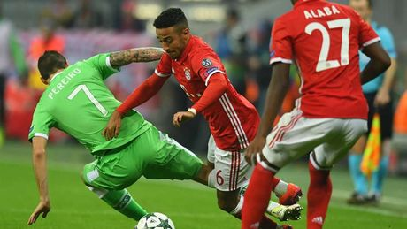 DHTB luot tran 3 vong bang Champions League: Vinh danh Messi va Oezil - Anh 8