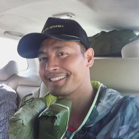 MC Phan Anh trao gan 4.000 phan qua cho dong bao mien Trung - Anh 2