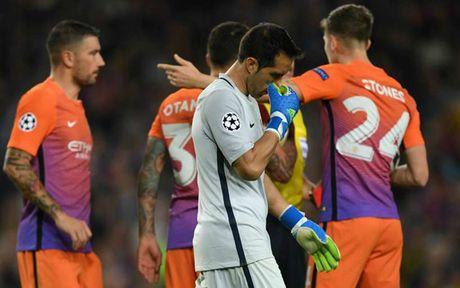 Man City 'thong tri' doi hinh te nhat luot tran 3 Champions League - Anh 2