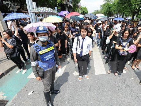 Chinh phu Thai Lan canh bao ve nguy co bat on, keu goi doan ket - Anh 1