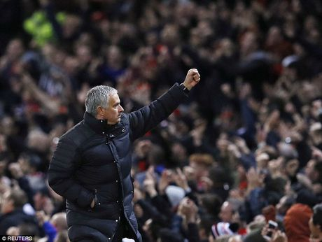 Mourinho da co duoc dieu gi sau chien thang truoc Fenerbahce? - Anh 1