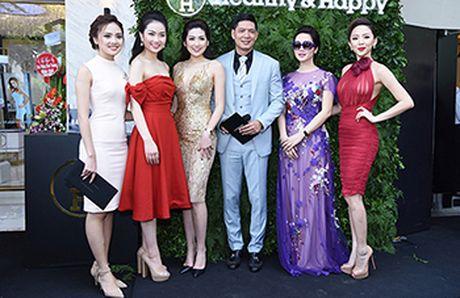Toc Tien, Tu Anh noi bat voi vay ren xuyen thau khong noi y goi cam - Anh 8