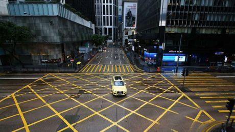 Hong Kong dung moi hoat dong, doi pho bao Haima - Anh 2