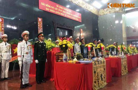 Le tang 3 phi cong hi sinh vi may bay truc thang roi o BR-VT - Anh 1
