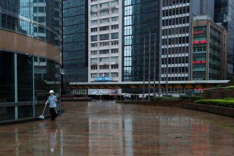 Loat anh Hong Kong truoc them sieu bao Haima - Anh 10