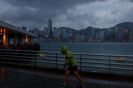 Loat anh Hong Kong truoc them sieu bao Haima - Anh 1