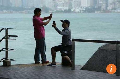 Loat anh Hong Kong truoc them sieu bao Haima - Anh 2