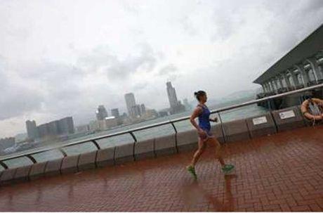 Loat anh Hong Kong truoc them sieu bao Haima - Anh 3