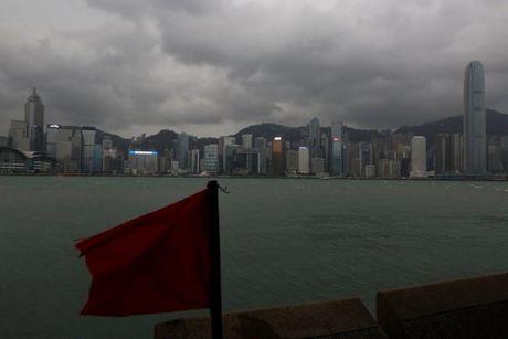 Loat anh Hong Kong truoc them sieu bao Haima - Anh 7