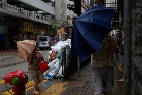 Loat anh Hong Kong truoc them sieu bao Haima - Anh 8