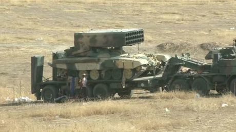Phao phan luc TOS-1A oanh tac Mosul, quan IS 'het duong song' - Anh 2
