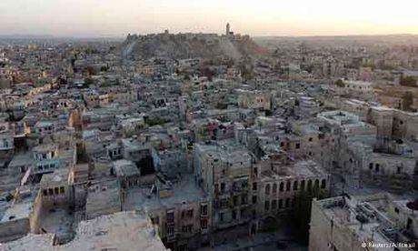 Nga gia han lenh ngung ban tai Aleppo them 24 gio - Anh 1
