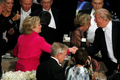 Cap Clinton-Trump tai ngo sau tranh luan vong 3 - Anh 2