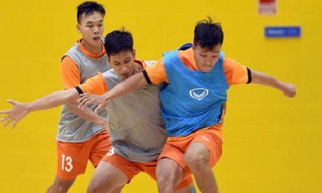 Vua Thai Lan bang ha, Giai Futsal DNA 2016 bi huy - Anh 1