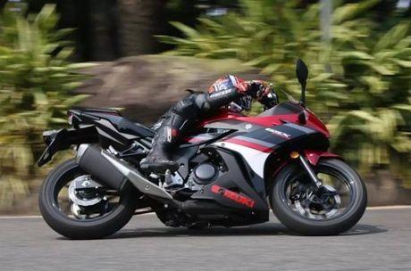 Can canh sportbike Suzuki GSX-250R 'dau' Yamaha R25 - Anh 7