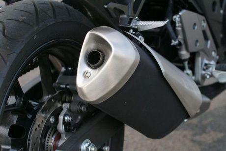 Can canh sportbike Suzuki GSX-250R 'dau' Yamaha R25 - Anh 8