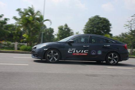 Honda Civic 2017 vua ra mat tai Viet Nam co gi? - Anh 3