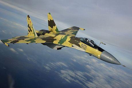 Sieu tiem kich Su-35: Vu khi thong tri bau troi cua Khong quan Nga - Anh 5