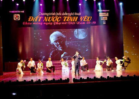 Chuong trinh nghe thuat 'Dat nuoc tinh yeu': Mon qua than thuong gui toi nhung nguoi Phu nu Viet Nam - Anh 3