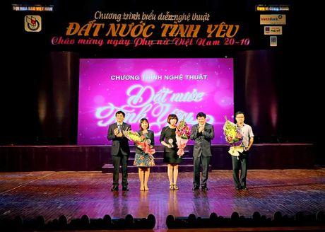 Chuong trinh nghe thuat 'Dat nuoc tinh yeu': Mon qua than thuong gui toi nhung nguoi Phu nu Viet Nam - Anh 5