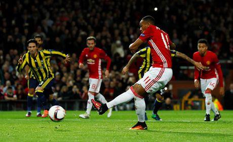 Pogba toa sang, M.U gianh ngoi dau bang A Europa League - Anh 2