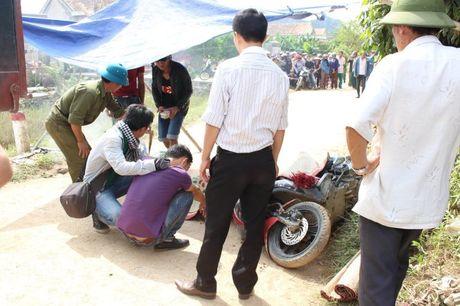 Tinh nguyen vien gap tai nan tu vong khi di giup dan o vung lu Quang Binh - Anh 1