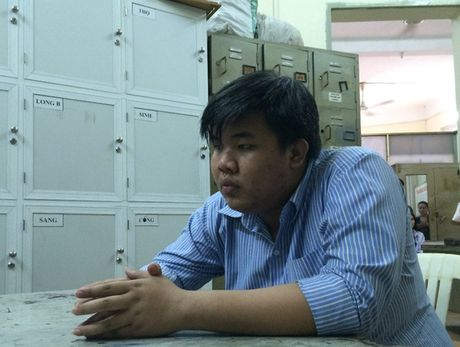 TP.HCM: Bat doi tuong gia danh nha su lua dao gan 600 trieu dong - Anh 1