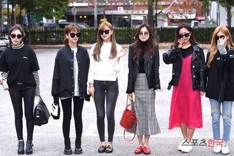 Na Eun, Ji Min mac dep nhat dan sao den Music Bank - Anh 1