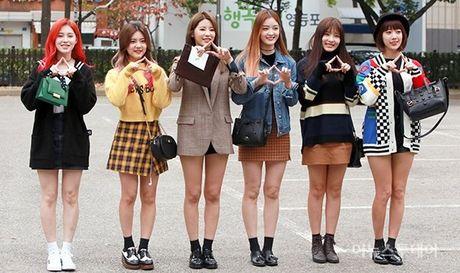 Na Eun, Ji Min mac dep nhat dan sao den Music Bank - Anh 8