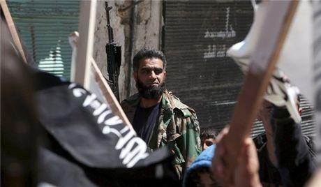Tinh hinh Syria: Khung bo bi 'don sach' hoan toan o Aleppo - Anh 1