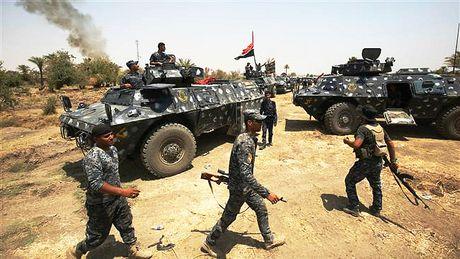 Quan doi Iraq chiem thi tran chien luoc, chi con cach Mosul 15 km - Anh 1