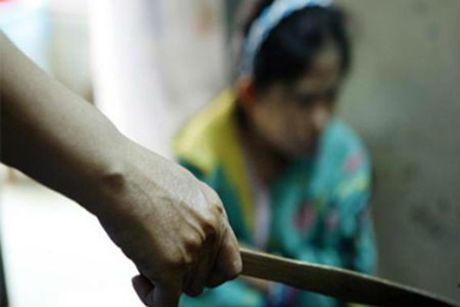 Chong chuan bi ly hon van vac dao chem vo... vi ghen - Anh 1