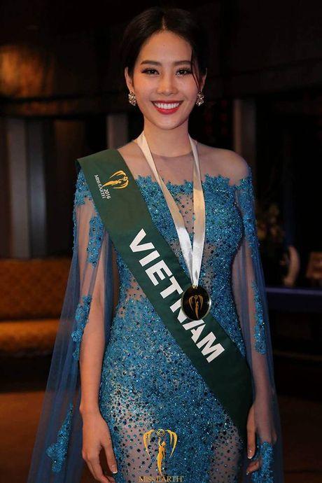 Nam Em lot top 3 Trang phuc da hoi dep nhat tai Hoa hau Trai Dat - Anh 2