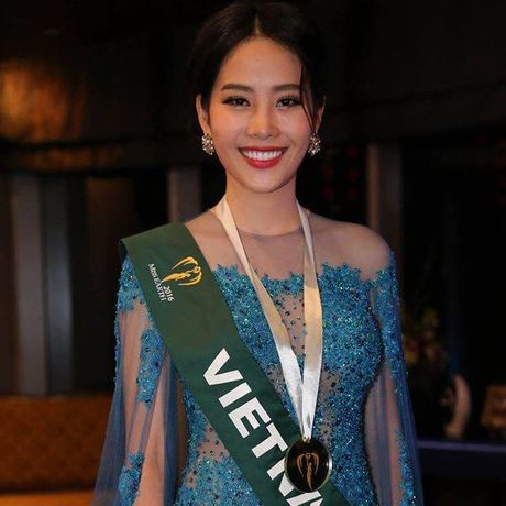 Nam Em lot top 3 Trang phuc da hoi dep nhat tai Hoa hau Trai Dat - Anh 5