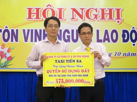 Da Nang: Taxi Tien Sa ho tro 1 lo dat cho vo con tai xe bi sat hai - Anh 1
