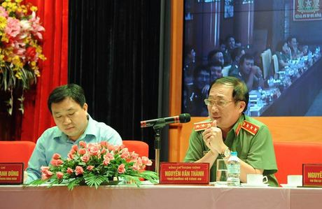 Dang uy Cong an Trung uong doi thoai voi thanh nien Cong an - Anh 10
