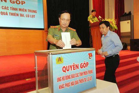 Dang uy Cong an Trung uong doi thoai voi thanh nien Cong an - Anh 4
