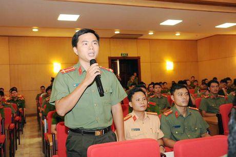 Dang uy Cong an Trung uong doi thoai voi thanh nien Cong an - Anh 8