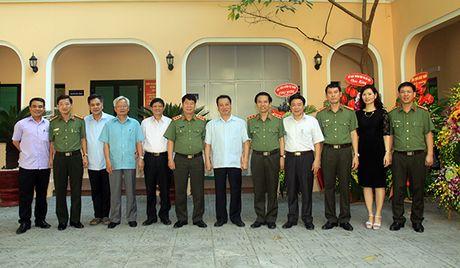 Thu truong Bui Van Nam chuc mung Hoi dong LLTW nhan ky niem 20 nam Ngay thanh lap - Anh 2