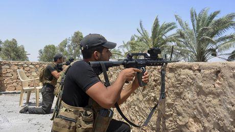 Iraq chan dung vu tan cong dien cuong cua IS o Kirkuk - Anh 2