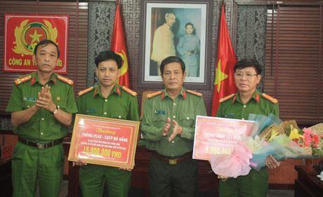 Khen thuong vu triet pha duong day so de lon tai Da Nang - Anh 1